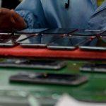La fabricación del iPhone y otros productos tecnológicos implican una contaminación deslocalizada de la que no somos conscientes