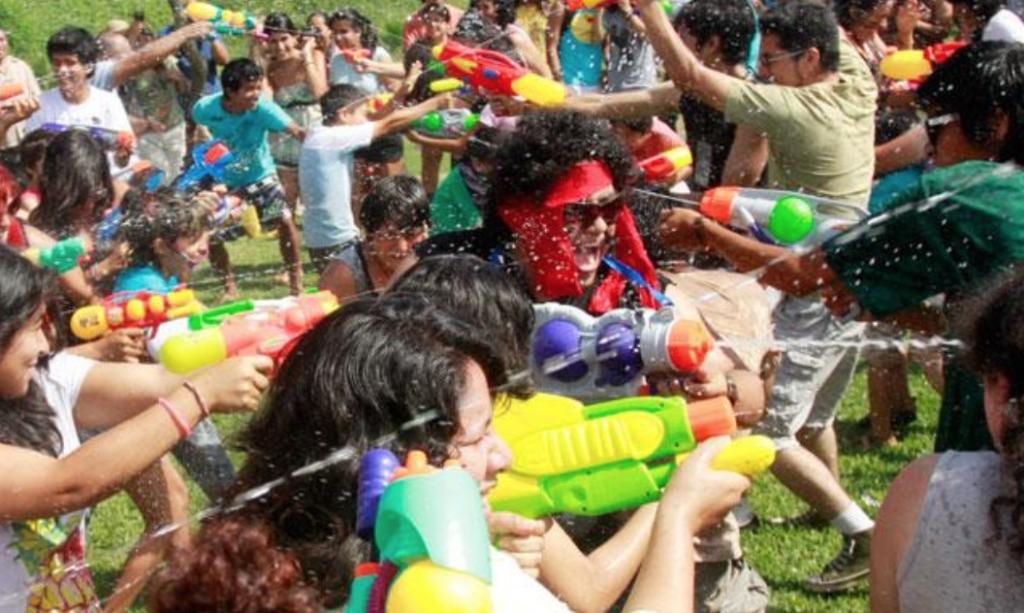 el agua en los festejos de Carnaval