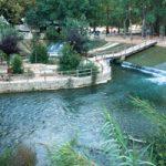 El río Júcar nace a los montes Universales en la provincia de Cuenca y es el río más grande de los que pasan por el País Valenciano.