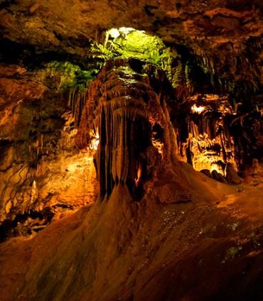 Valporquero cuevas en España
