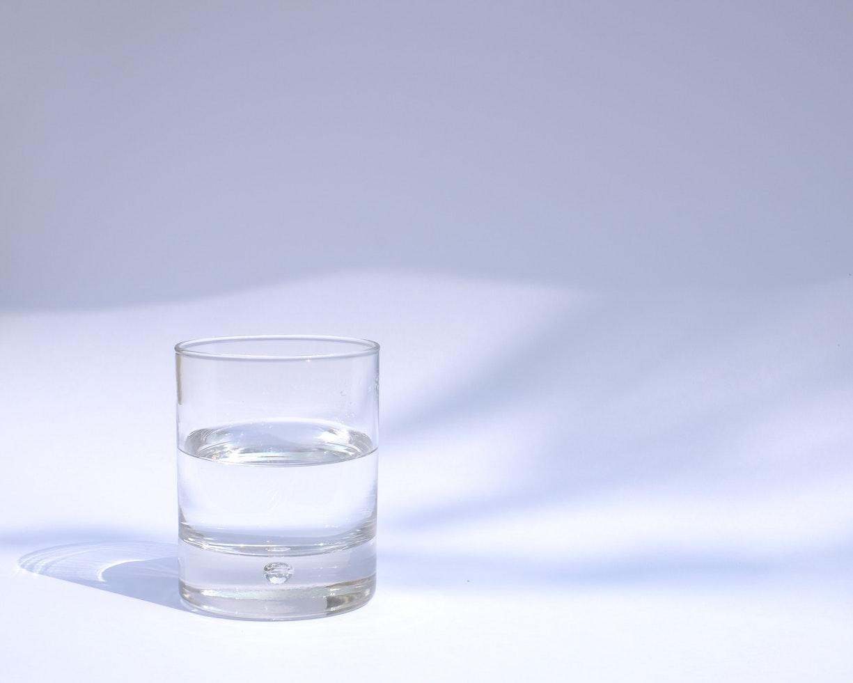 Cómo hacer un filtro casero de agua