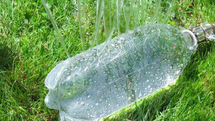 Reutilizar plastico para crear sistema de riego