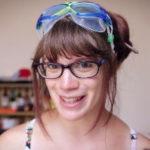 Vídeo de Inés Laura Dawson para ConCiencia Ciudadana ojos rojos en las piscinas