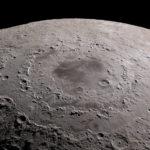 agua en superficie lunar