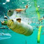 Los océanos y los mares que nos rodean se han convertido en un gran vertedero de plásticos.