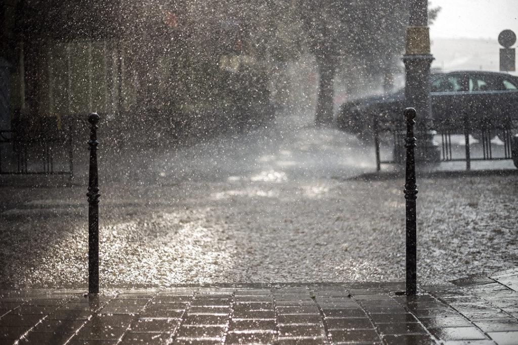 Ciclogénsis explosiva, exceso de precipitaciones