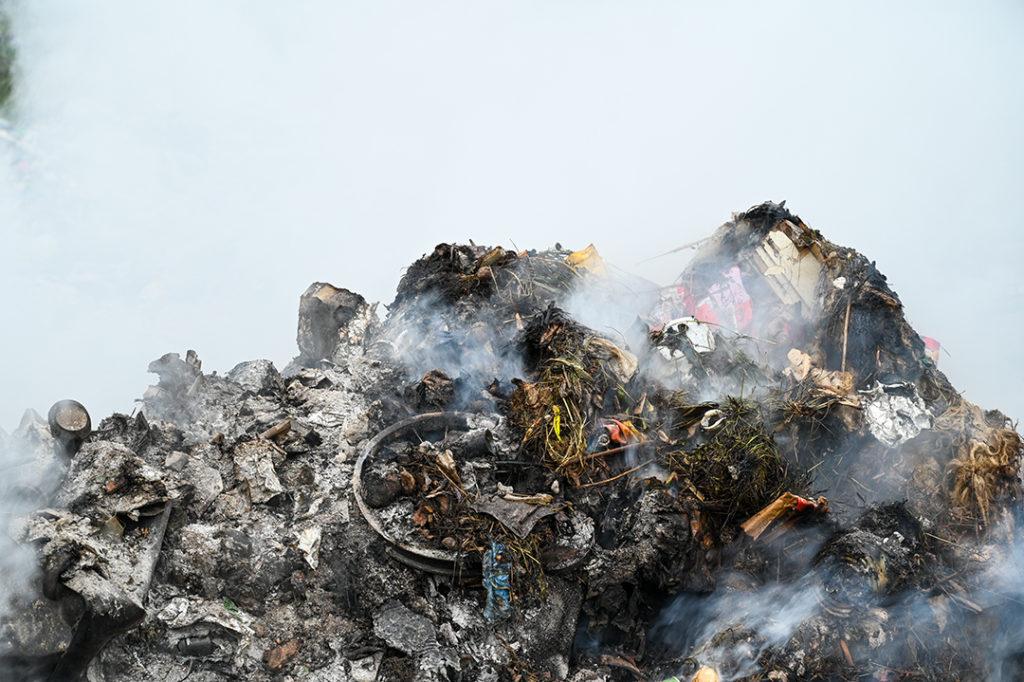 La quema de residuos es una de las principales causas de la contaminación atmosférica