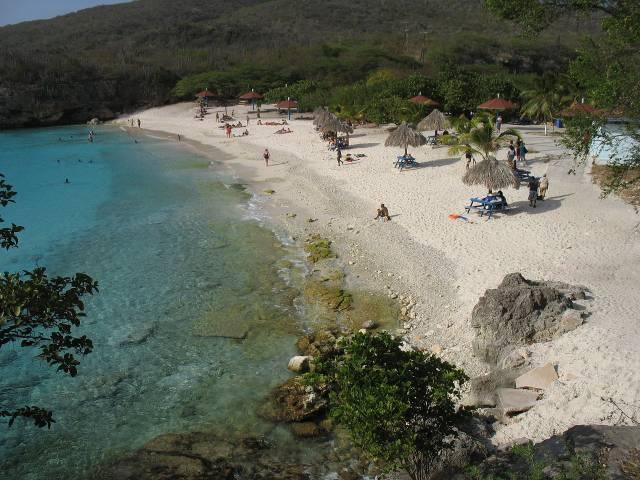 Playa Kenepa Grande es uno de los lugares con el agua más cristalina del mundo
