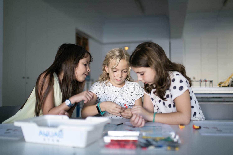 Aquae STEM impulsa vocaciones científicas entre las alumnas