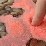 Esta arena mágica con propiedades hidrofóbicas evita que el agua moje