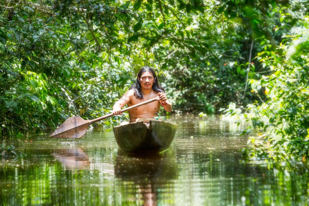 Los indígenas en la amazonía ven amenazada la supervivencia de sus comunidades debido a la pandemia mundial