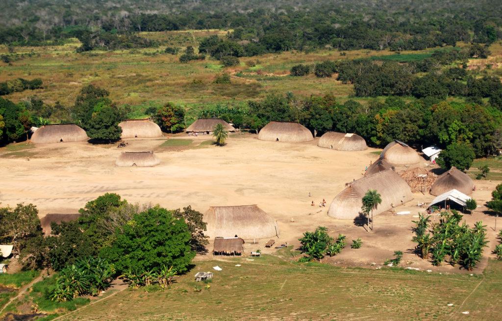 Las regiones indígenas de la amazonía ven amenazada su supervivencia debido a la expansión de la pandemia mundial