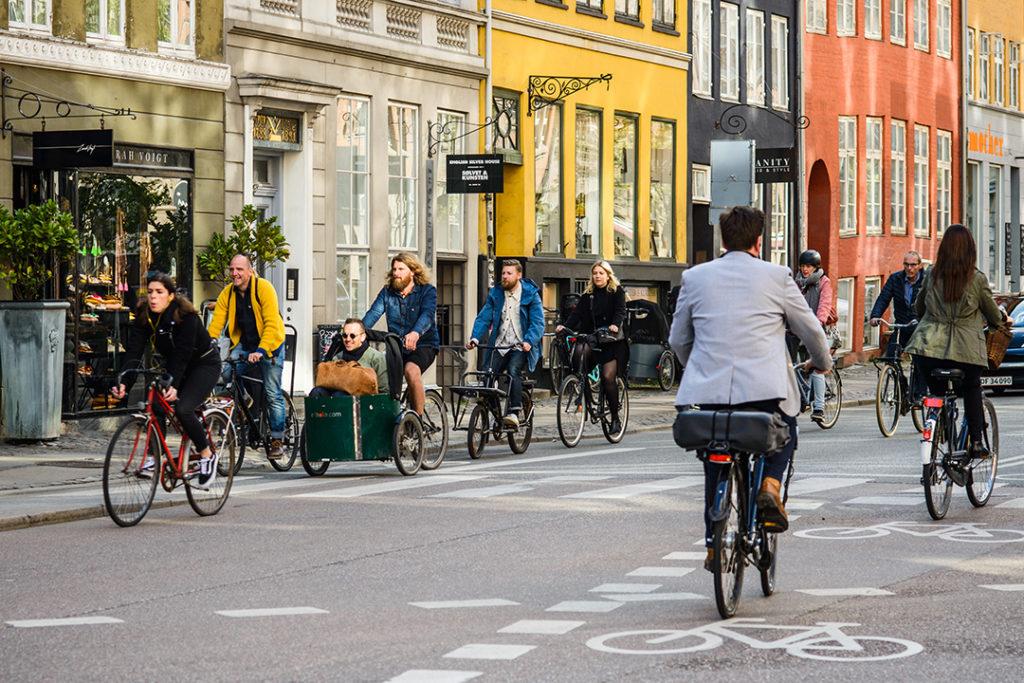 Xavier Querol destaca la importancia de la reducción del uso de los coches para mejorar la calidad del aire de las ciudades