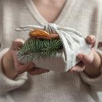 El embalaje ecológico, el reciclaje e inspirarse en la naturaleza son tres ideas clave para hacer nuestros regalos sostenibles en época navideña