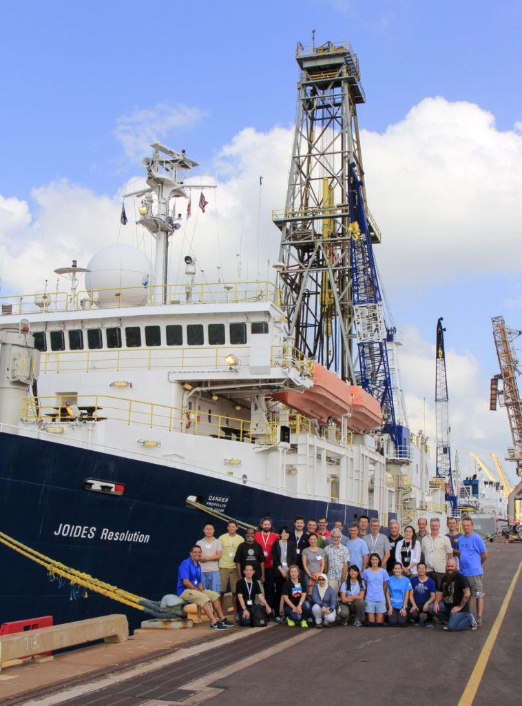 Montserrat Alonso, profesora de la Universidad de Salamanca, explica la importancia de los sedimentos marinos frente a la crisis climática